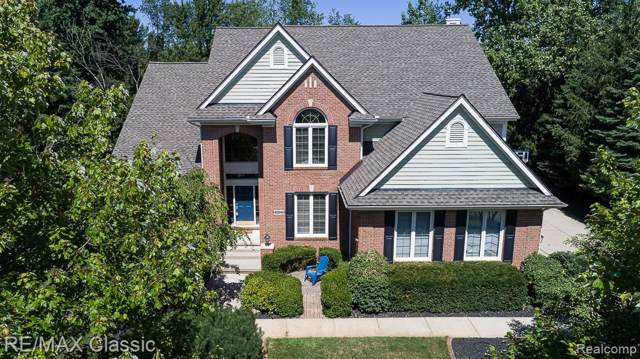 48048 Andover Drive, Novi, MI 48374 (#219085980) :: The Mulvihill Group