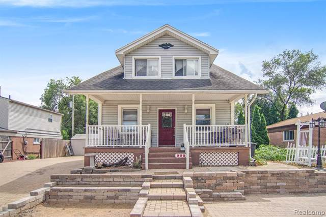950 E Lincoln Avenue, Madison Heights, MI 48071 (MLS #219086003) :: The Toth Team