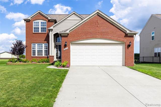 56574 Leeds Lane, Macomb Twp, MI 48042 (#219086072) :: Team Sanford