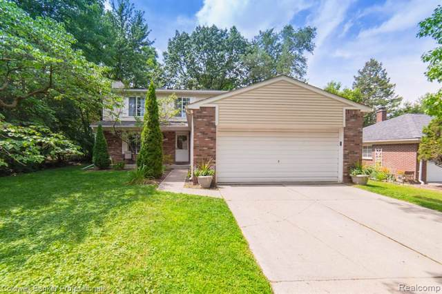 2388 Mulberry Rd, Bloomfield Hills, MI 48302 (#219086081) :: Keller Williams West Bloomfield
