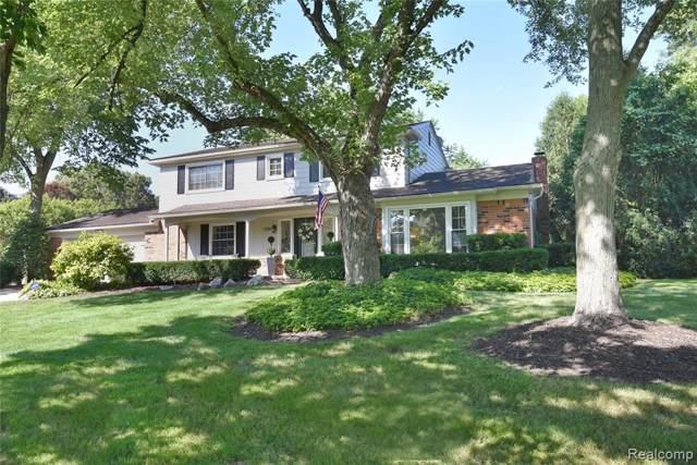 7336 Saint Auburn Drive, Bloomfield Hills, MI 48301 (#219086246) :: Keller Williams West Bloomfield