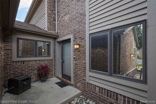 6892 Northcrest Way E #16, Independence Twp, MI 48346 (#219086281) :: The Mulvihill Group