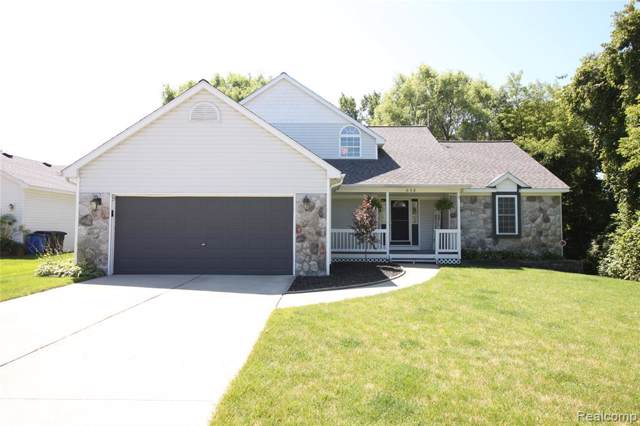 856 Doral Drive, Oxford Twp, MI 48371 (#219086306) :: The Mulvihill Group