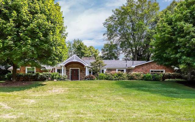 4931 Rands Road, Bloomfield Twp, MI 48302 (#219086324) :: The Mulvihill Group