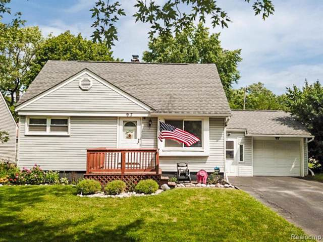 97 Ascot Avenue, Waterford Twp, MI 48328 (#219086403) :: The Mulvihill Group