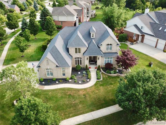 2439 Hawthorne Drive N, Shelby Twp, MI 48316 (#219086461) :: The Mulvihill Group