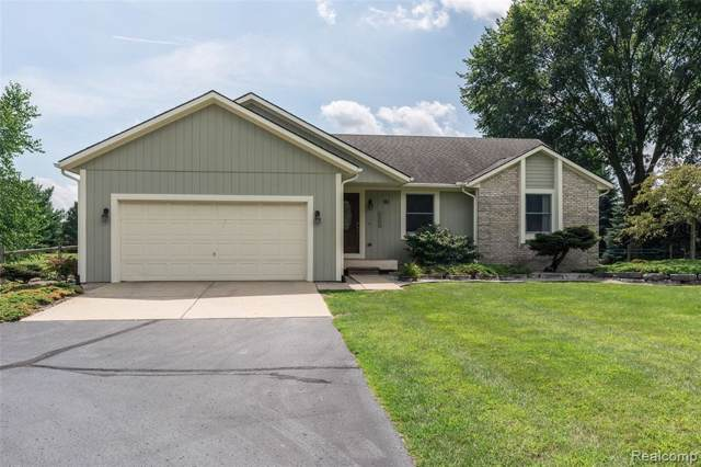 181 Lone Tree Road, Highland Twp, MI 48380 (#219086538) :: The Mulvihill Group