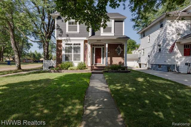 1222 Longfellow Avenue, Royal Oak, MI 48067 (#219086613) :: The Mulvihill Group