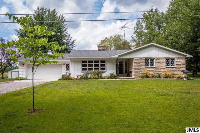 14300 W Michigan Ave, Parma, MI 49224 (#55201903090) :: Team Sanford