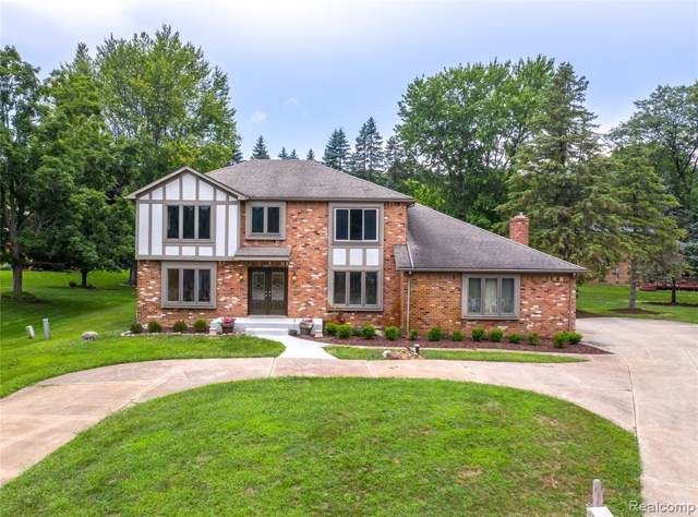 440 Abbey Wood Court, Oakland Twp, MI 48306 (#219086817) :: RE/MAX Classic