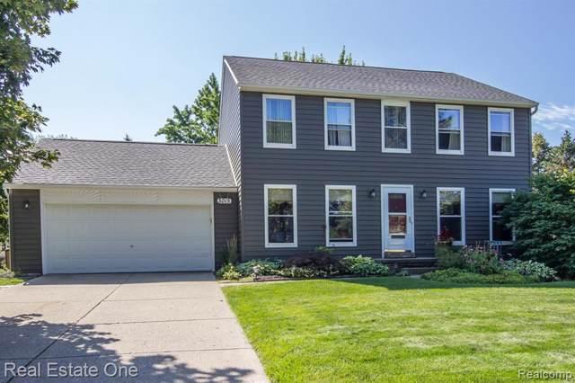 3015 Cedar Key Drive, Orion Twp, MI 48360 (#219086851) :: The Buckley Jolley Real Estate Team