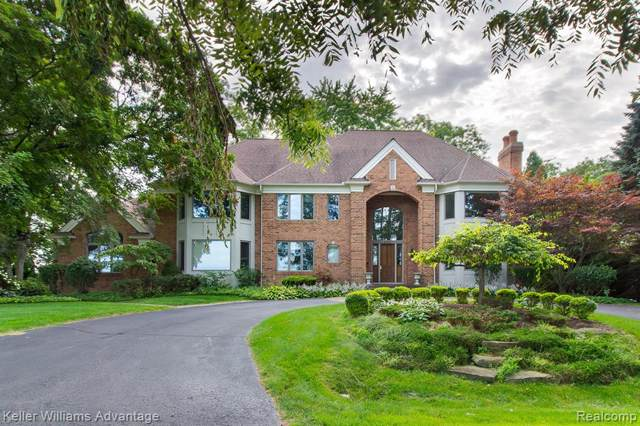 6425 Golfview Drive, Bloomfield Twp, MI 48301 (MLS #219086879) :: The Toth Team