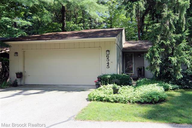6545 Red Cedar Lane, West Bloomfield Twp, MI 48324 (#219087001) :: RE/MAX Classic
