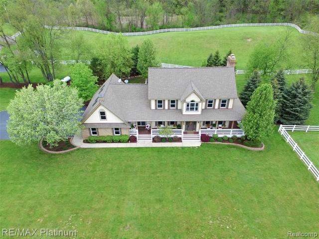 12983 Holtforth Road, Tyrone Twp, MI 48430 (#219087008) :: The Buckley Jolley Real Estate Team