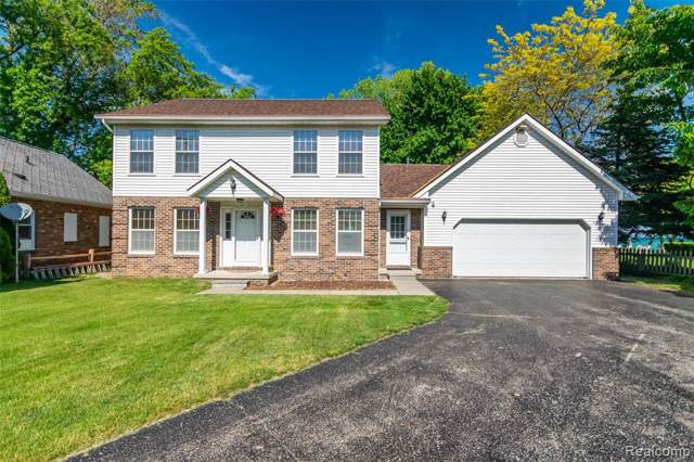 8752 Lakeshore Road, Burtchville Twp, MI 48059 (#219087071) :: The Buckley Jolley Real Estate Team