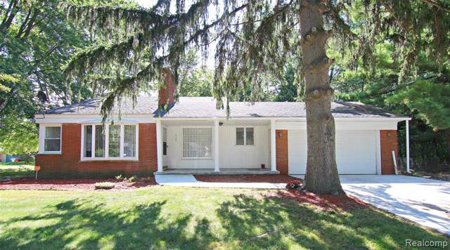 16155 Fairview Crescent, Southfield, MI 48076 (MLS #219087102) :: The Toth Team