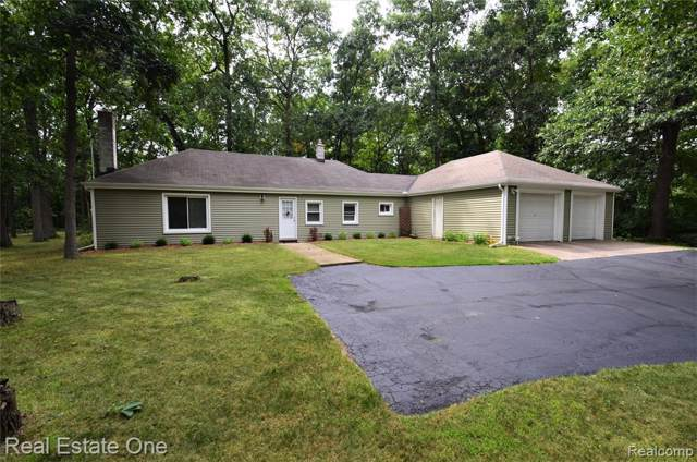 6281 Jonquil, Waterford Twp, MI 48327 (#219087286) :: KNE Realty 360