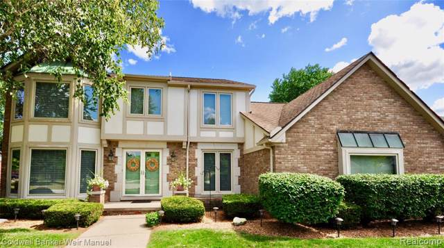 37609 Meadowhill, Farmington Hills, MI 48335 (#219087292) :: The Buckley Jolley Real Estate Team