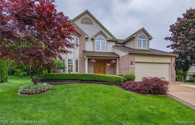 2738 Augusta Drive, Commerce Twp, MI 48382 (#219087385) :: KNE Realty 360
