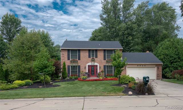 8020 Saint James Dr, Grosse Ile Twp, MI 48138 (#219087974) :: GK Real Estate Team