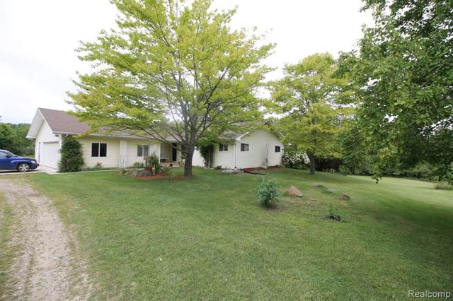4725 Secord Lake Road, Addison Twp, MI 48367 (#219088113) :: The Buckley Jolley Real Estate Team