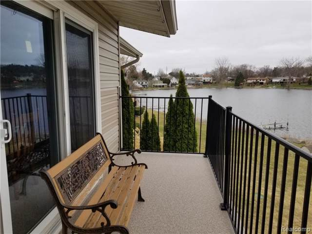 4960 Lake Point Dr, Waterford Twp, MI 48329 (#219088193) :: The Buckley Jolley Real Estate Team