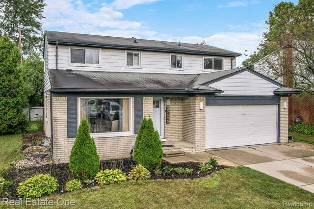 27425 Fairfax Street, Southfield, MI 48076 (#219088440) :: The Buckley Jolley Real Estate Team