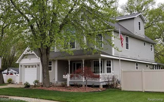 7891 Robindale Avenue, Dearborn Heights, MI 48127 (#219089167) :: The Buckley Jolley Real Estate Team