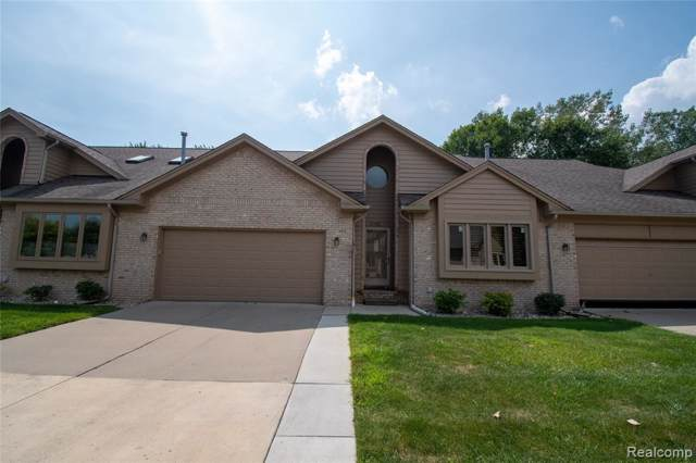 33052 Whispering Lane, Chesterfield Twp, MI 48047 (#219089238) :: The Buckley Jolley Real Estate Team