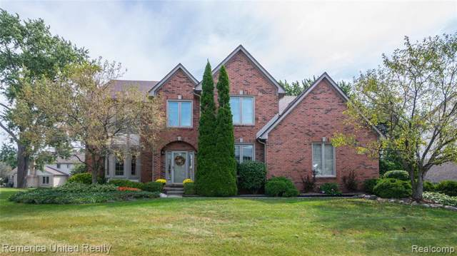 18546 Glastonbury Drive, Livonia, MI 48152 (#219089358) :: RE/MAX Classic
