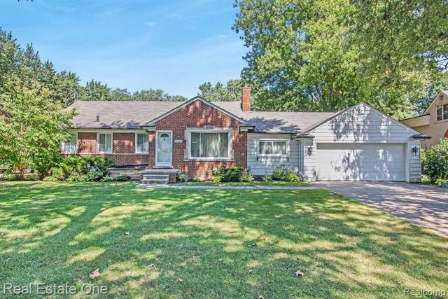 18244 Beverly Road, Beverly Hills Vlg, MI 48025 (#219089505) :: The Buckley Jolley Real Estate Team