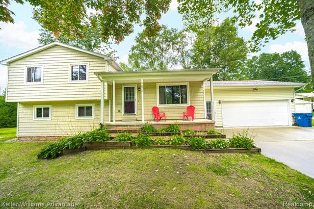 9870 Cedar Island Lake Road, White Lake Twp, MI 48386 (#219090052) :: RE/MAX Classic