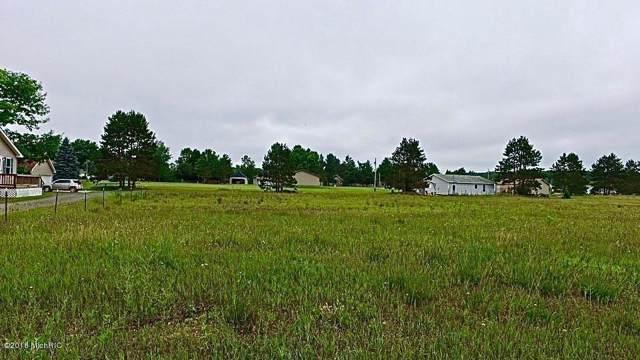 7374 N Cedar Dr, Sauble Twp, MI 49644 (#59019042700) :: GK Real Estate Team
