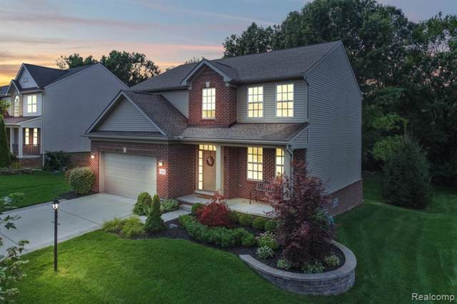 2581 Solace Drive, Commerce Twp, MI 48382 (#219090398) :: The Buckley Jolley Real Estate Team