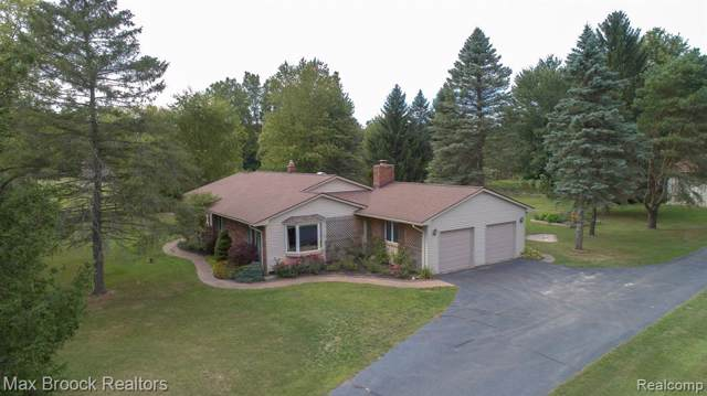 336 W Greenshield Road, Orion Twp, MI 48360 (#219090559) :: RE/MAX Classic