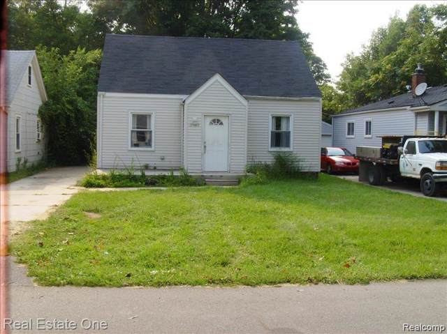 19489 Negaunee, Redford Twp, MI 48240 (#219090679) :: The Buckley Jolley Real Estate Team