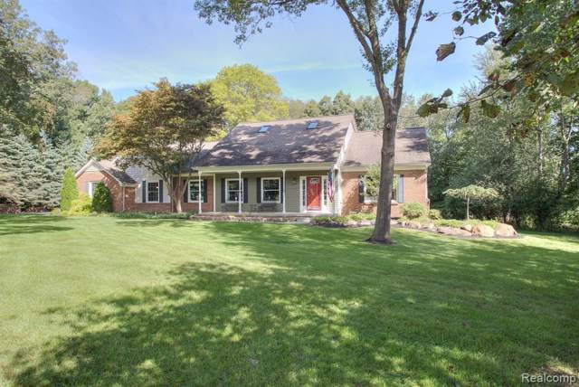 11543 Cloverlawn Drive, Brighton Twp, MI 48114 (#219090963) :: The Mulvihill Group
