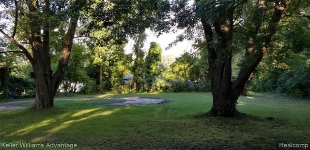 6073 Biddle Street, Romulus, MI 48174 (#219091122) :: The Buckley Jolley Real Estate Team