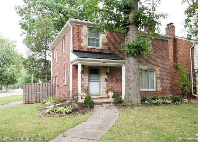 1866 Littlestone Road, Grosse Pointe Woods, MI 48236 (#219091670) :: The Buckley Jolley Real Estate Team