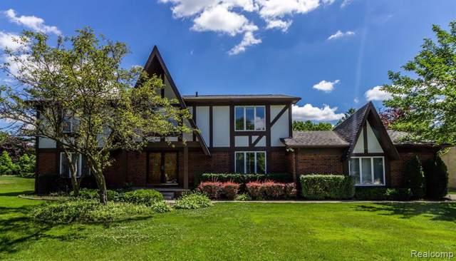 4229 Sedgemoor Lane, West Bloomfield Twp, MI 48302 (#219091913) :: The Buckley Jolley Real Estate Team