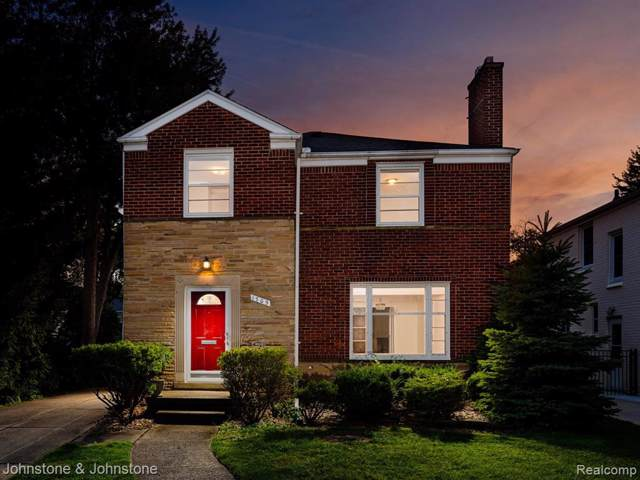 1705 Broadstone Road, Grosse Pointe Woods, MI 48236 (MLS #219091919) :: The Toth Team