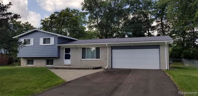 3043 Golfhill Drive, Waterford Twp, MI 48329 (#219092215) :: The Buckley Jolley Real Estate Team