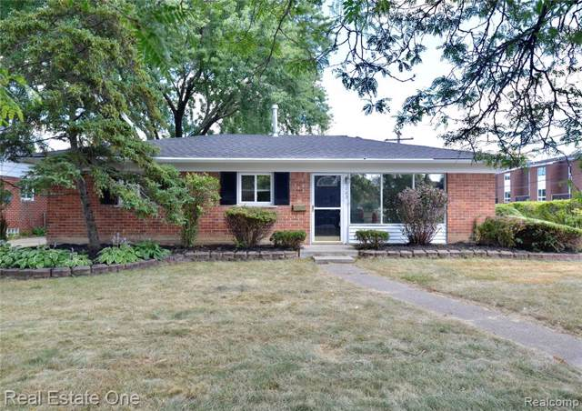 1702 Cresthill Avenue, Royal Oak, MI 48073 (#219092330) :: The Buckley Jolley Real Estate Team