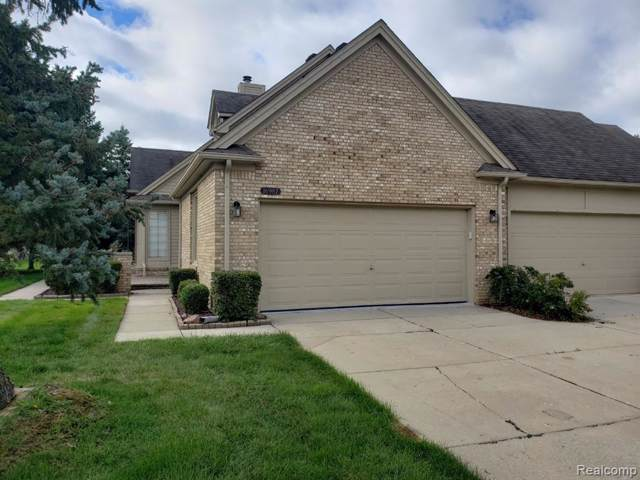 16987 Crystal Drive, Macomb Twp, MI 48042 (#219092389) :: The Buckley Jolley Real Estate Team