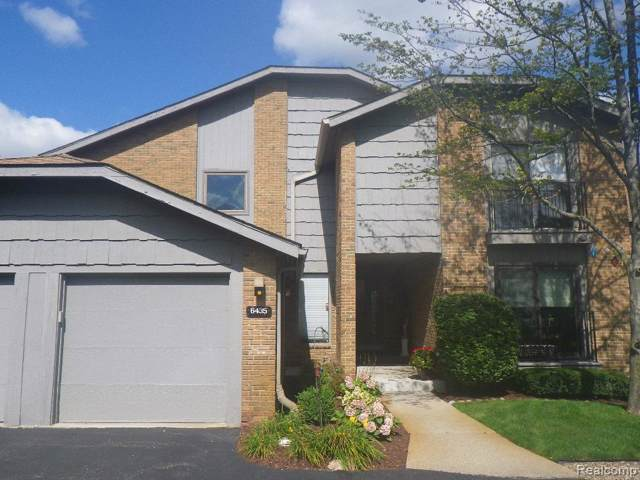 6435 Maple Hills Drive, Bloomfield Twp, MI 48301 (#219092475) :: The Buckley Jolley Real Estate Team
