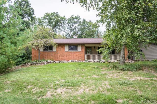 7801 Herbst Road, Genoa Twp, MI 48114 (#219092492) :: The Alex Nugent Team | Real Estate One
