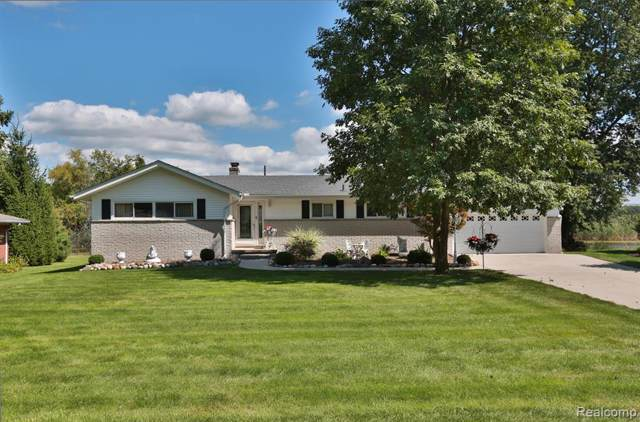 27985 Johnson Road, Grosse Ile Twp, MI 48138 (MLS #219093201) :: The Toth Team