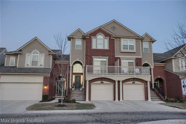 6543 Berry Creek Lane, West Bloomfield Twp, MI 48322 (#219093354) :: The Alex Nugent Team | Real Estate One
