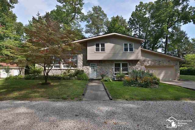 7656 Lucille, Bedford Twp, MI 48144 (MLS #57031393971) :: The Toth Team