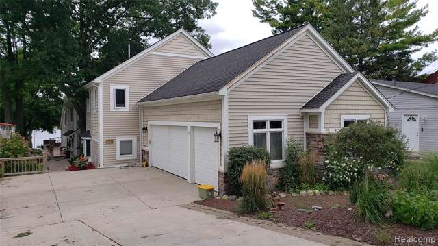 1890 Lakesview Drive, Oxford Twp, MI 48371 (#219093615) :: The Buckley Jolley Real Estate Team